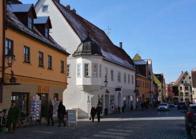 Ganze Häuserzeile im Herzen Friedbergs, Ludwigstraße 10, 12, 14, 16 und 18 von uns renoviert und gestaltet