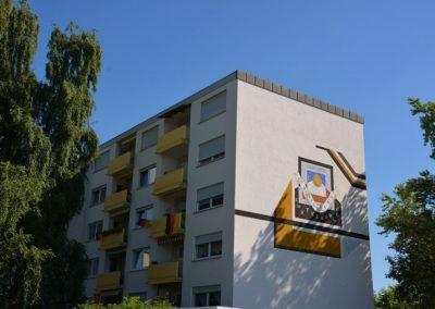 Wohnblock aus den 70er Jahren: Betonsanierung und neu farblich gestaltet 2